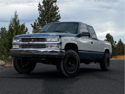 "1990 Chevrolet K2500 - 17x9 -12mm - Fuel Covert Bl - Stock Suspension - 33"" x 12.5"""