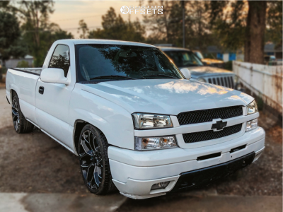 """2005 Chevrolet Silverado 1500 - 22x9 33mm - Strada Replicas Gm Snowflake Replica - Lowered 2F / 4R - 25"""" x 9.5"""""""