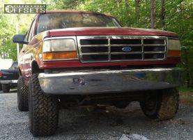 "1996 Ford Bronco - 15x10 -47mm - Mickey Thompson Bullet Hole - Body Lift 3"" - 33"" x 12.5"""