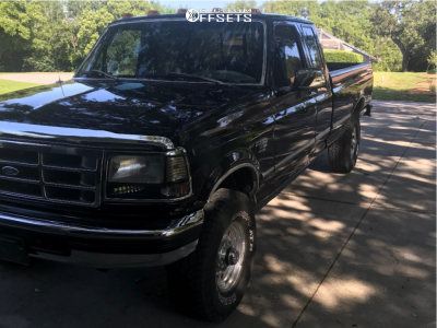 """1997 Ford F-250 Super Duty - 16x10 -25mm - American Racing Outlaw - Stock Suspension - 33"""" x 12.5"""""""