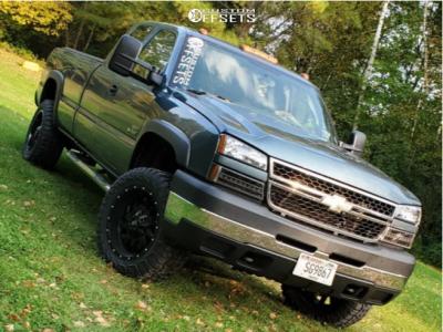"""2006 Chevrolet Silverado 3500 - 20x12 -44mm - RBP 65r - Stock Suspension - 33"""" x 12.5"""""""
