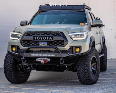 "2018 Toyota Tacoma - 17x8.5 0mm - Icon Alloys Rebound - Suspension Lift 2.5"" - 305/70R17"