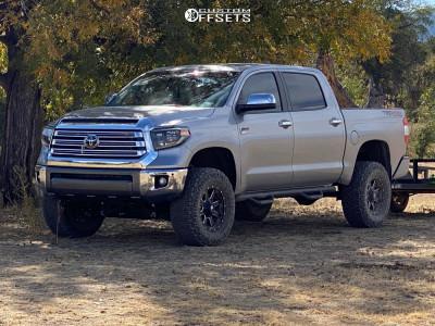 "2020 Toyota Tundra - 18x9 20mm - Fuel Maverick D538 - Suspension Lift 4.5"" - 35"" x 12.5"""