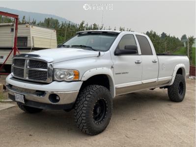 """2005 Dodge Ram 2500 - 17x9 -12mm - Method Mr301 - Air Suspension - 35"""" x 12.5"""""""