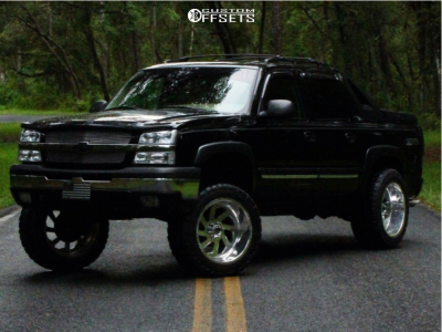 """2004 Chevrolet Avalanche 1500 - 22x12 -51mm - Fuel Forged Ffc39 - Suspension Lift 7"""" - 35"""" x 12.5"""""""