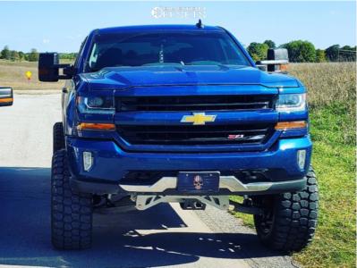 "2016 Chevrolet 1500 - 22x12 -44mm - TIS 544mb - Suspension Lift 9"" - 37"" x 13.5"""
