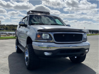 """1999 Ford Expedition - 20x12 -44mm - Moto Metal Mo962 - Suspension Lift 3"""" - 33"""" x 12.5"""""""