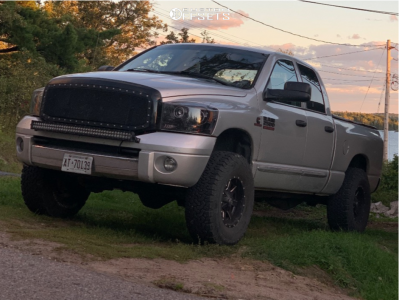 "2007 Dodge Ram 2500 - 17x9.5 -12mm - Fuel Maverick - Leveling Kit - 35"" x 12.5"""