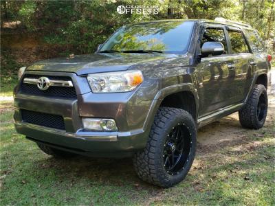 "2011 Toyota 4Runner - 20x10 -19mm - Hostile Sprocket - Suspension Lift 3"" - 33"" x 12.5"""