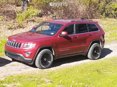 "2015 Jeep Grand Cherokee - 17x8 0mm - Vision D Window - Stock Suspension - 31"" x 10.5"""