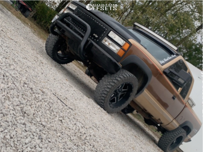 "1989 Chevrolet K2500 - 20x12 -44mm - Xtreme Mudder Xm-313 - Stock Suspension - 33"" x 12.5"""