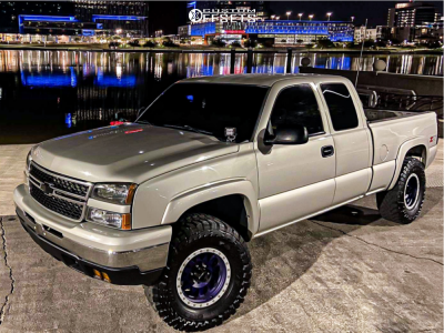 "2007 Chevrolet Silverado 1500 Classic - 17x8.5 0mm - Method Double Standard - Leveling Kit - 35"" x 12.5"""