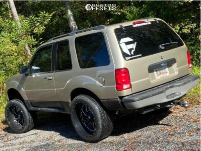 "2003 Ford Explorer Sport - 22x12 -44mm - Fuel Triton - Suspension Lift 6"" - 305/40R22"