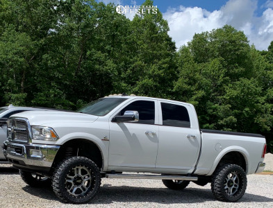 "2017 Ram 2500 - 22x10 -24mm - Moto Metal Mo992 - Suspension Lift 5"" - 35"" x 12.5"""