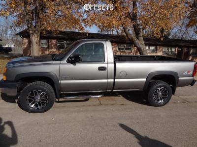 """2007 Chevrolet Silverado 2500 HD Classic - 18x9 12mm - Ion Alloy 179 - Stock Suspension - 32"""" x 10.5"""""""