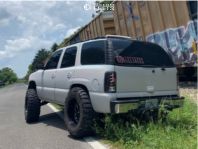 "2000 Chevrolet Tahoe - 20x12 -44mm - Fuel Triton - Stock Suspension - 37"" x 13.5"""