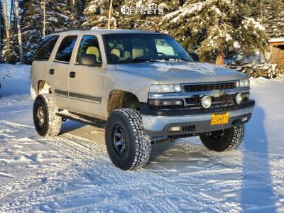 "2005 Chevrolet Tahoe - 17x9.5 -12mm - Fuel Kicker - Suspension Lift 6"" - 35"" x 12.5"""