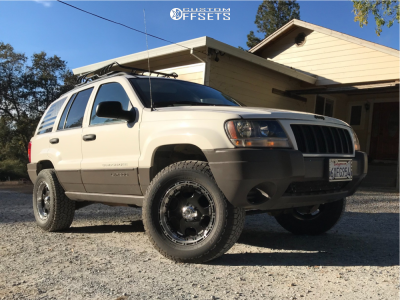 """2004 Jeep Grand Cherokee - 17x9 -12mm - Helo He891 - Suspension Lift 2.5"""" - 265/65R17"""