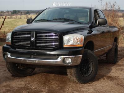 2006 Dodge Ram 1500 - 17x8.5 -25mm - Method Nv - Leveling Kit - 265/70R17