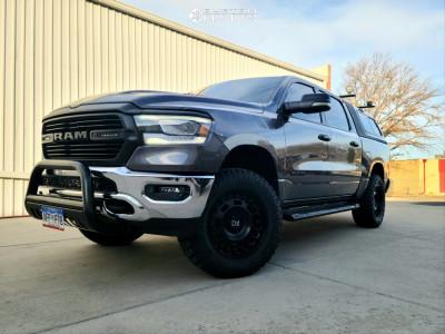"""2019 Ram 1500 - 20x9.5 6mm - Black Rhino Axle - Suspension Lift 3.5"""" - 35"""" x 12.5"""""""