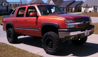 """2005 Chevrolet Avalanche - 17x9 -6mm - Pro Comp 31 - Suspension Lift 6"""" - 35"""" x 12.5"""""""