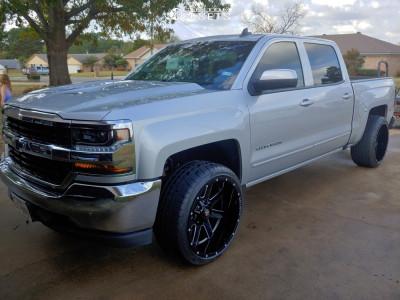 """2018 Chevrolet Silverado 1500 - 22x12 -50mm - Ballistic Rage - Level 2"""" Drop Rear - 305/35R22"""