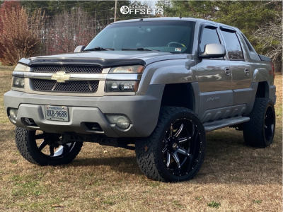 """2002 Chevrolet Avalanche 1500 - 24x12 -44mm - XF Offroad Xf-215 - Suspension Lift 6"""" - 35"""" x 13.5"""""""