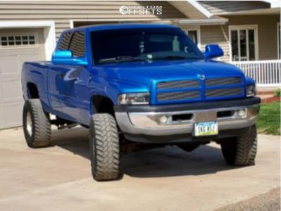 """2001 Dodge Ram 2500 - 16x10 -19mm - Pro Comp 1069 - Suspension Lift 3"""" - 35"""" x 12.5"""""""