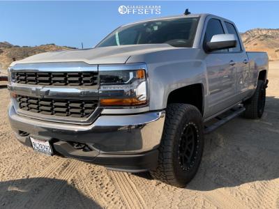 2018 Chevrolet Silverado 1500 - 18x9 -12mm - Method Mesh - Leveling Kit - 305/65R18
