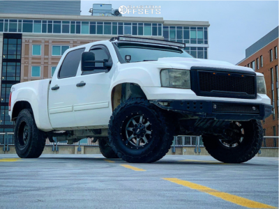 "2012 GMC Sierra 1500 - 18x10 -24mm - Moto Metal Mo970 - Suspension Lift 3.5"" - 37"" x 12.5"""