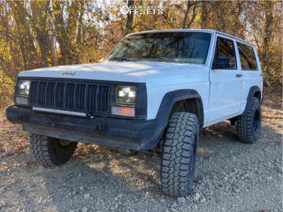 "1990 Jeep Cherokee - 15x8 -19mm - Pro Comp Xtreme - Suspension Lift 3"" - 31"" x 10.5"""