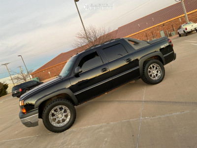 "2004 Chevrolet Avalanche - 20x10 -24mm - American Outlaw Doubleshot - Leveling Kit - 35"" x 12.5"""