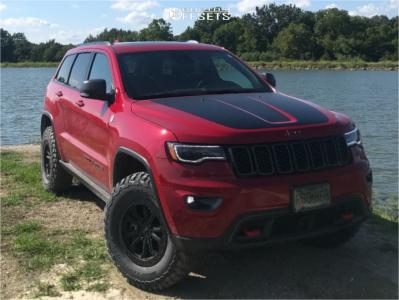 2019 Jeep Grand Cherokee - 17x8 30mm - Black Rhino Trabuco - Leveling Kit - 285/65R17