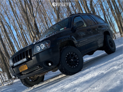 "2004 Jeep Grand Cherokee - 16x9 -12mm - XD Addict - Suspension Lift 3"" - 245/75R16"