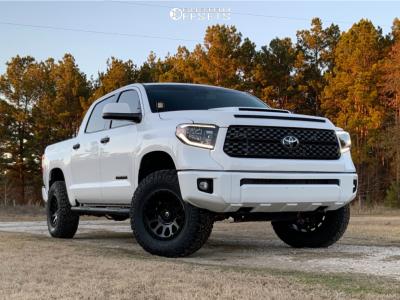 "2020 Toyota Tundra - 18x9 20mm - Fuel Vector - Suspension Lift 3"" - 295/70R18"