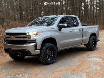 "2020 Chevrolet Silverado 1500 - 20x10 -24mm - Hostile Sprocket - Suspension Lift 3"" - 33"" x 12.5"""