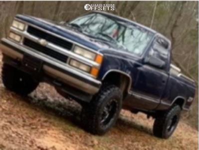 "1995 Chevrolet K1500 - 17x10 -24mm - Moto Metal 962 - Suspension Lift 3"" - 275/65R17"
