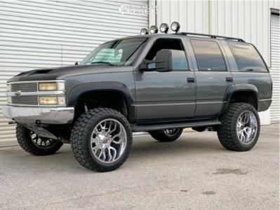 "1999 Chevrolet Tahoe - 22x12 -44mm - Scorpion Sc19 - Suspension Lift 6"" - 35"" x 12.5"""