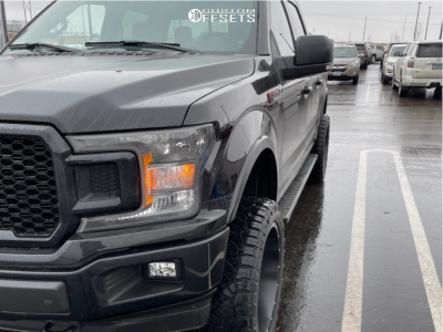 """2018 Ford Explorer Sport - 22x10 -25mm - Fuel Maverick - Suspension Lift 4"""" - 33"""" x 12.5"""""""