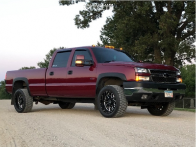 2006 Chevrolet Silverado 2500 HD Classic - 20x10 -19mm - Hostile Sprocket - Stock Suspension - 285/65R20