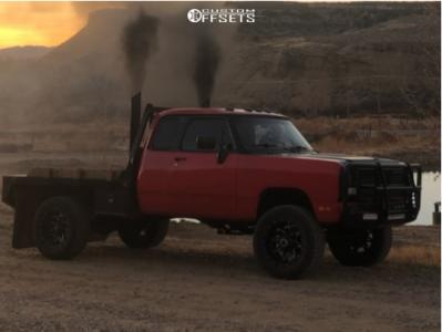 "1993 Dodge W250 - 20x10 -24mm - Fuel Lethal - Suspension Lift 4"" - 35"" x 12.5"""