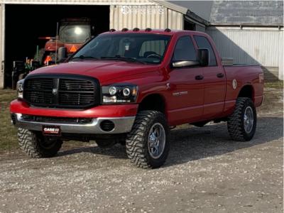 "2006 Dodge Ram 2500 - 18x9 -12mm - Fuel Maverick - Leveling Kit - 33"" x 12.5"""