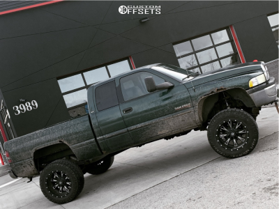 "2002 Dodge Ram 2500 - 20x12 -44mm - Fuel Throttle - Suspension Lift 5.5"" - 35"" x 12.5"""