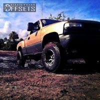 "2001 Chevrolet Silverado 1500 - 16x10.5 -35mm - Mickey Thompson Classic II - Body Lift 3"" - 33"" x 12.5"""