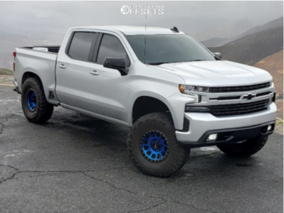 "2020 Chevrolet Silverado 1500 - 17x8.5 0mm - Method Mr305 - Suspension Lift 6.5"" - 37"" x 12.5"""