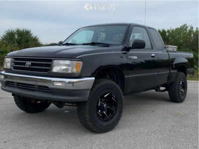 """1995 Toyota T100 - 15x8 -18mm - Fuel Reaction - Leveling Kit & Body Lift - 31"""" x 10.5"""""""