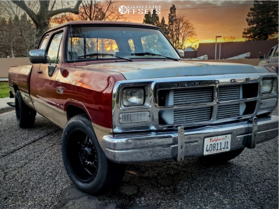 1993 Dodge D250 - 20x10 -25mm - Ultra Hunter - Leveling Kit - 275/55R20