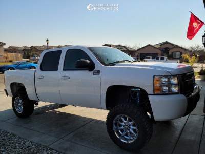 "2007 Chevrolet Silverado 1500 - 18x9 18mm - XD Badlands - Suspension Lift 8"" - 33"" x 12.5"""