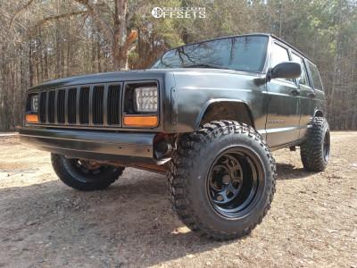 "1999 Jeep Cherokee - 15x10 -44mm - Pro Comp 51 - Stock Suspension - 30"" x 9.5"""