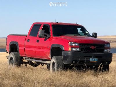 "2005 Chevrolet Silverado 2500 HD Classic - 17x9 -12mm - Fuel Krank - Suspension Lift 6"" - 35"" x 12.5"""